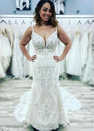 Fabulous Tulle V-neck Neckline Mermaid Wedding Dresses With Lace Appliques