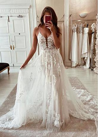 Fabulous Tulle Spaghetti Staps Neckline A-line Wedding Dresses With Lace Appliques