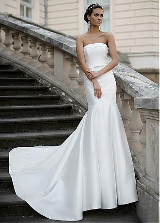 Modest Satin Strapless Neckline Mermaid Wedding Dresses With Lace Appliques
