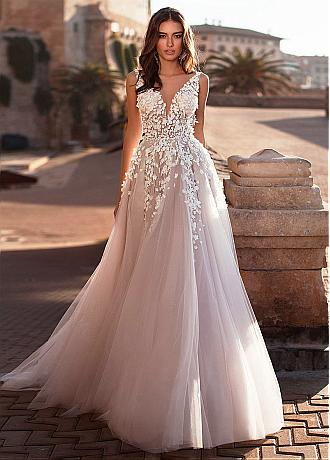 Fantastic Tulle V-neck Neckline A-line Wedding Dress With Lace Appliques & 3D Flowers & Beadings