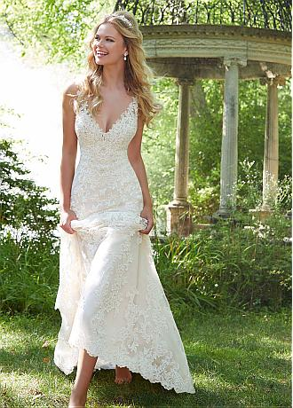 Gorgeous Tulle V-neck Neckline Mermaid Wedding Dresses With Beaded Lace Appliques